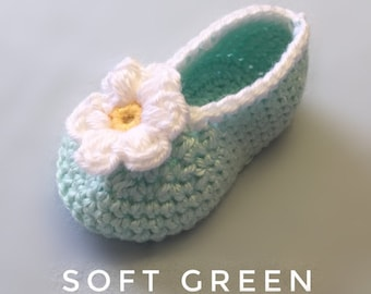 Daisy Baby Booties | Flower Baby Shoes | Daisy Shoes | Crochet Daisy |  Blue Green Baby Booties | Baby Shower Gift