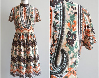 1970s Dress / Paisley Garden Dress / Vintage Floral Dress / M / Medium