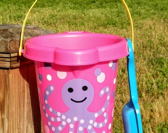 Personalized sand pail bucket with shovel, girl or boy, several designs to choose from