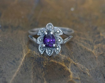 Beautiful Purple Pear Gemstone Silver 925 Vintage Silver 925 Ring, US Size 7.5, Used