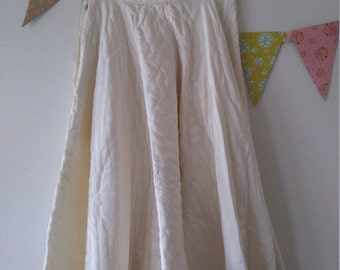 Vintage 1950s cream quilted circle skirt size x-small