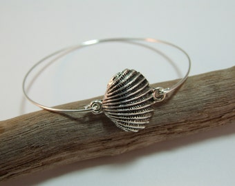 Seashell bangle, seashell bracelet, silver seashell bangle, nautical beach coastal jewelry, vacation accessories, beach wedding
