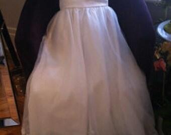 Elegant and Simple Wedding Dress