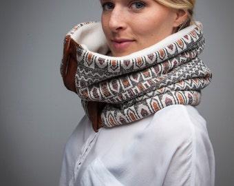 Circular scarf / geometric ethnic