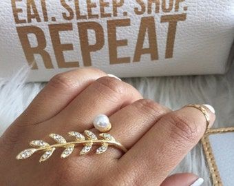 Leaf & pearl gold statement knuckle ring