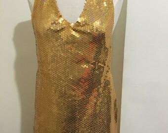 Color sequins dress gold