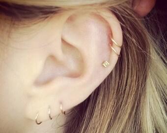 Boho Links. Gold Thin Hoop Cuff Huggie Earrings