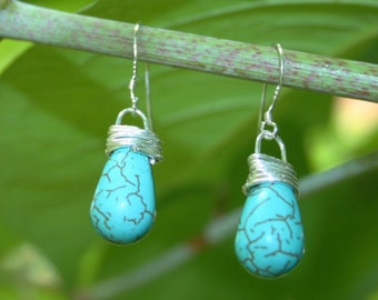 Modern Style Howlite Turquis Wirewrapped Earrings