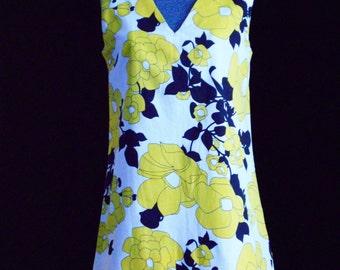 Vintage  Mini Dress 1960's - 1970's  Bold Graphic Print