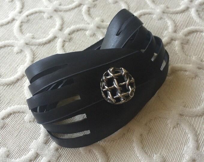 Shredded Rubber Cuff - silver basket weave button