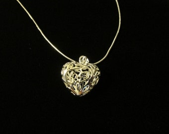 Silver Filagree Heart Pendent