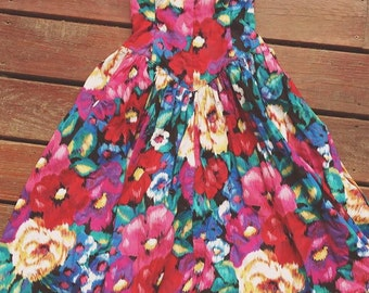 Vintage Floral sweetheart dress - Size Small