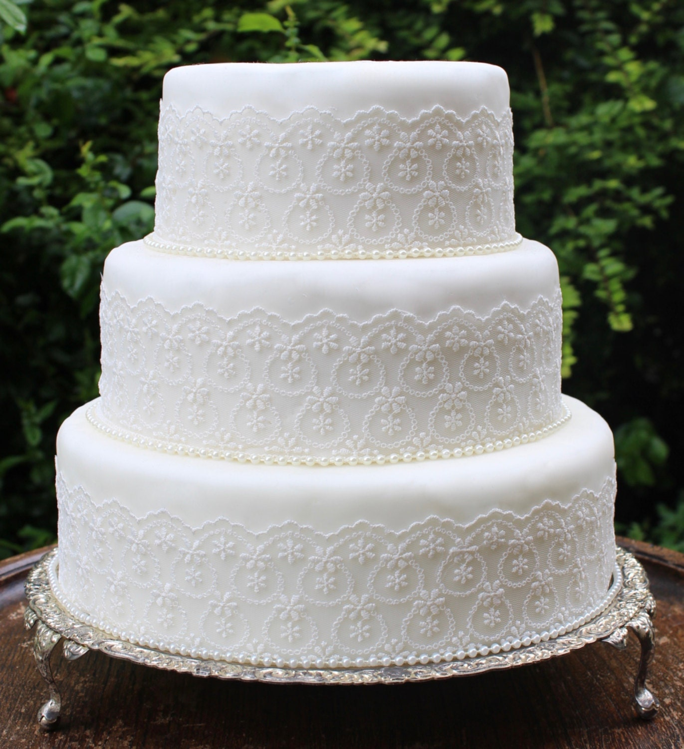 wedding cakes lace and pearl vintage lace amp pearl wedding cake trim ivory wedding cake 24864