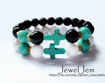 bracelet made of white agate and turquoise