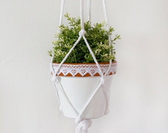 Plant Pot and Macrame Hanger