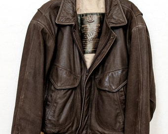 1970s men's leather bomber jacket