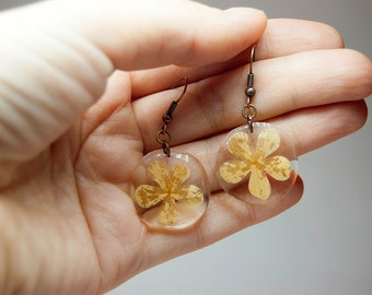 Earrings Flowers. Resin jewelry. Organic jewelry. Plant jewelry. Botanical jewelry. Handmade botanical. Mothers Day