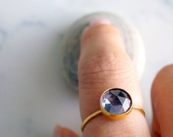 GOLD VERMIEL alexandrite - 8mm faceted alexandrite ring. stacking gemstone ring. color changing. gold ring