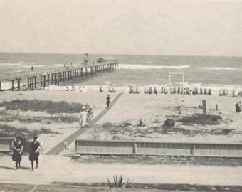 vintage photo 1910 The Pier Bathing Beauties Waves Miami Florida