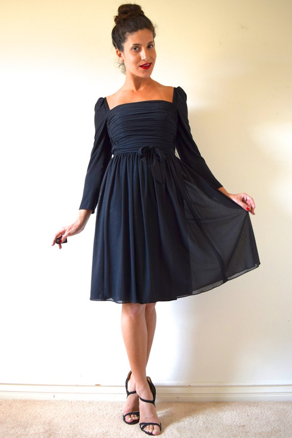 Vintage 60s 70s Lilli Diamond Black Ruched Box Neckline Shirt Waist Cocktail Dress (size xs, small)