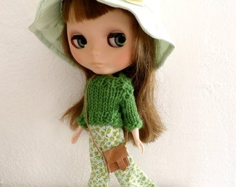 Blythe outfit hippie style set of 3 items pants pullover and hat in green color