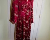 SALE Vintage 1940s Silk Embroidered Hong Kong Woman's Robe