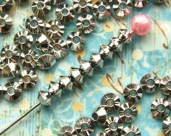 Platinum Saucer Spacer Beads 4mm - 100 Pieces - Dark Silver / Platinum Finish (SBD0014)