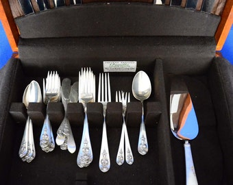 Pendant of Fruit Sterling Flatware Service by Lunt Silver 1939