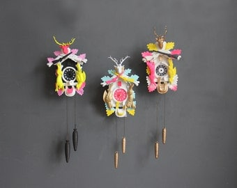 r e s e r v e d Neon Pink, Yellow & Gold Cuckoo Clock. Working Condition.