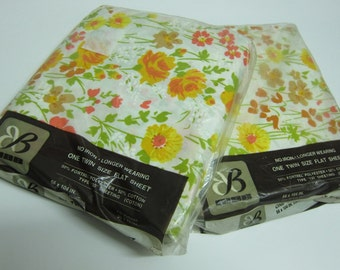 pair of sealed 1970s twin sheets