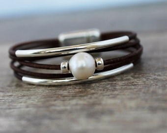 Leather Bracelet/ Sterling Silver Solitaire Pearl Bracelet/Women's Leather Bracelet/Simple  Chic/Isea Designs