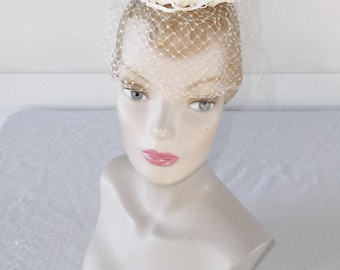 1960s Vintage Off White Mini Open Crown Circle Hat with Veil