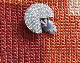 Modernist 1930s rhinestone metal pin brooch / Art Deco geometric Dress Clip