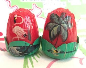 Vintage Florida salt and pepper shakers rose petal Jaydon 1940s plastic hand painted palm tree flamingo Floridiana souvenir