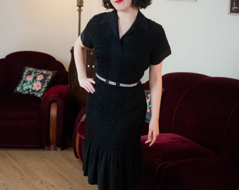Vintage 1940s Dress - Fully Shirred and Ruched Black Rayon Dress with Short Sleeves and Flirty Hem