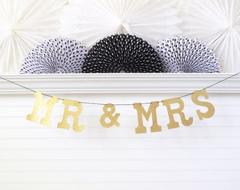 Glitter Mr & Mrs Banner - 5 inch Letters - Wedding Banner Bridal Shower Decor Wedding Garland Mr and Mrs Garland Gold Glitter Wedding Banner