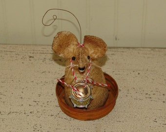 Primitive Christmas mouse, Little Drummer Boy, drummer mouse, holiday decor
