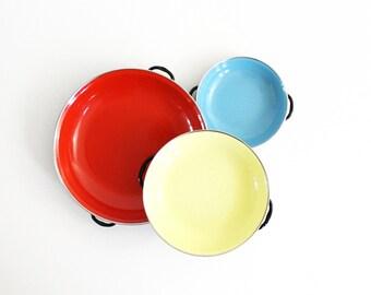 Colorful Vintage Enamel Paella Pans / Mid Century Modern Enamel Frying Pans