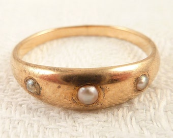 Size 6 Antique Victorian 14K Gold Band Triple Seed Pearl Ring
