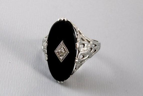 Vintage Art Deco 14k white gold filigree black onyx diamond ring clover and bark detail