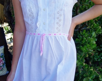 Princess Nightgown, White Cotton Gown, Lace nightgown, Cotton nightgown, Prairie nightgown, size S