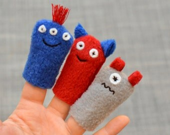 Monster Finger Puppets: Red & Blue (3 pack)