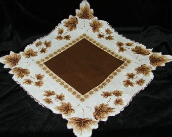 "Vintage 17"" Scalloped Fall Autumn Leaves Wedding Handkerchief or Doily, 9760"