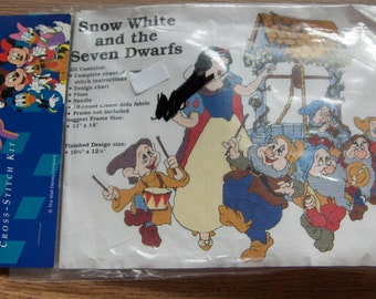 cross stitch kit Snow White and the seven dwarfs  NIP