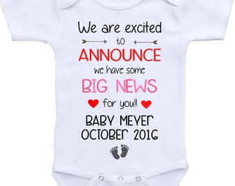 Pregnancy Announcement onesie ® Bodysuit. Pregnancy reveal. Gift for grandparents. Baby announcement Grandparents to be. Personalized onesie