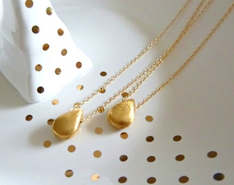 Gold Teardrop Charm Necklace. Layering. bridesmaid. Delicate. Simple. Gift. Summer. Spring. Minimalist. Short. Geometric.