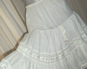 Vintage 1940s White Cotton Ruffle Lace Full Slip or Skirt Wedding Size S/M Wedding Very Pretty