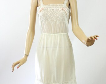 Vintage 50s Full Slip Bergdorf Goodman Sheer White Nylon & Chiffon Embroidered Flowers Bust 34