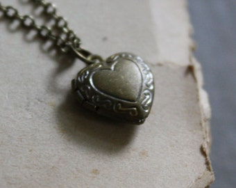 Romeo and Juliet Locket Necklace Heart Locket Romantic Locket Classic Locket Simple Heart Locket
