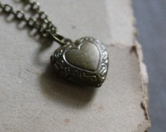 Romeo and Juliet Locket Necklace Heart Locket Romantic Locket Classic Locket Simple Heart Locket